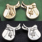 Exselle English Saddle Earrings 22 Carat