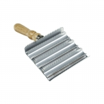 Horze Wooden Handle Square Metal Curry